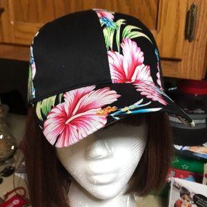 NWOT Hawaiian 🌺 ball cap 🧢